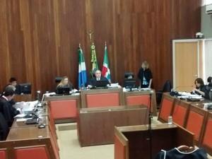 Desembargadores da 1ª Câmara Cível durante julgamento (Foto: Juliene Katayama/G1 MS)