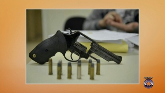 Ex-PMs são condenados por sumiço de 103 armas em Joinville em 2012