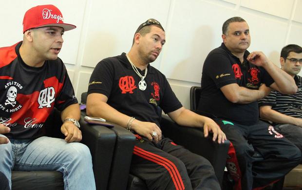 Reunião de torcidas do Vasco e Atlético-PR
