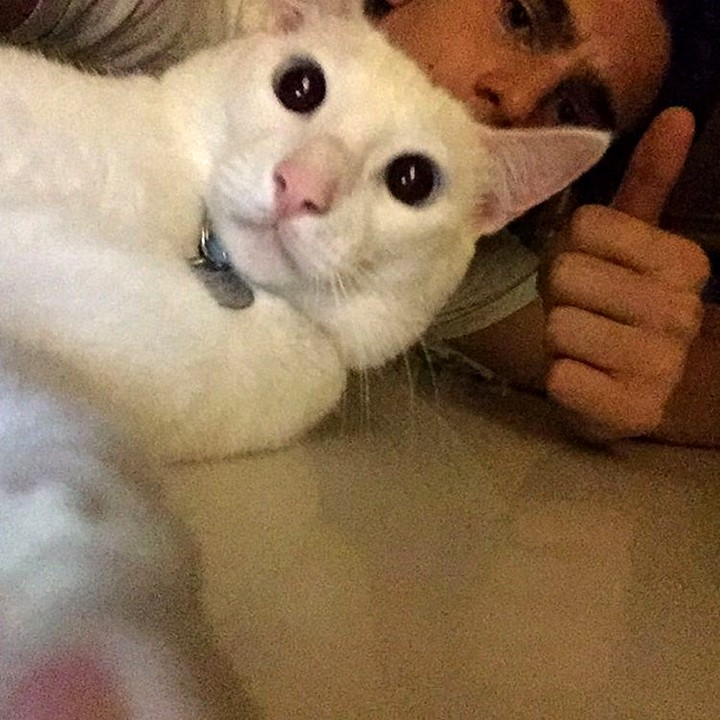 Nick faz selfie com Nicolas Prattes bem juntinho com o ator (Foto: Arquivo Pessoal)