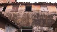 Alerta: famílias reclamam de rachaduras em prédio após chuva forte na região da Lapinha