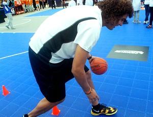 Anderson Varejão basquete oficina NBA3x  (Foto: Marcos Guerra)
