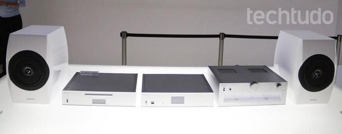 Linha Technics da Panasonic tem modelos Premium e mais modestos (Foto: Fabrício Vitorino/TechTudo)