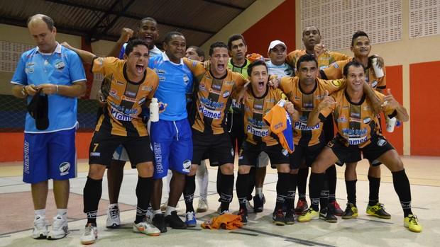 Real Moitense foi o campeão do 1º turno  (Foto: Felipe Martins/GLOBOESPORTE.COM)