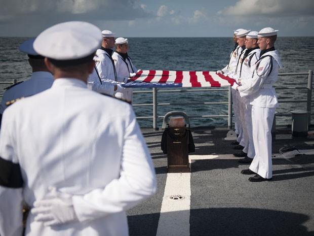 Cinzas de Neil Armstrong foram enterradas no mar (Foto: Nasa/Bill Ingalls)
