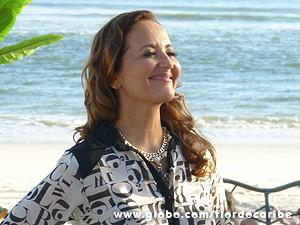 Guiomar tem personalidade para usar seu look qualquer hora do dia (Foto: Flor do Caribe / TV Globo)