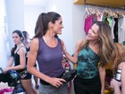 Famosas fazem aula de balé fitness com a prima de Ingrid Guimarães