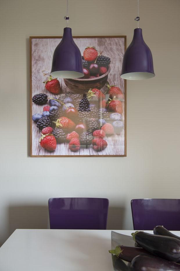 Cosmopolita atemporal: cores quebram monotonia em apê de 450 m²  (Foto: Fotos Salvador Cordado e Marco Antônio/Divulgação)