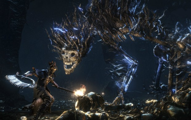 Um dos chefes gigantes de 'Bloodborne', exclusivo do PS4 (Foto: Divulgação/Sony)