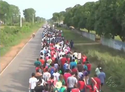 Fiéis na 12ª Romaria do Rosário, em Itacoatiara-AM (Foto: Bom Dia Amazônia)