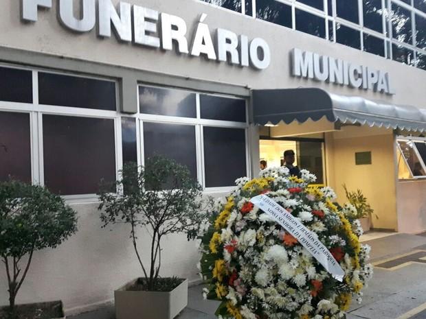 Vítimas da chacina familiar em Campinas são velados no Cemitério da Saudade (Foto: Roberta Steganha / G1)