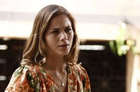 Luiza Valdetaro é Hilda em 'Joia rara' (Foto: Reprodução)