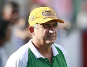 Técnico Sinomar Naves quer conquistar mais um Parazão por um time do interior (Foto: Marcelo Seabra - O Liberal)