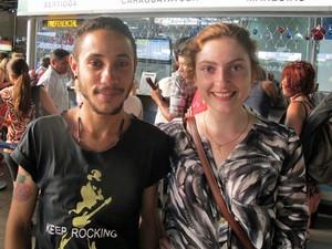 Aurélio e Rubia compraram passagem para Boraceia, no litoral (Foto: Vanessa Fajardo/ G1)