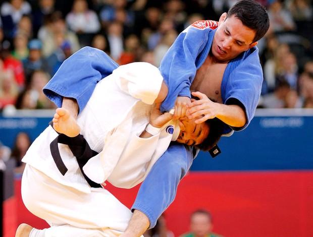 Kitadai bate atleta da Mongólia na estreia pela categoria ligeiro