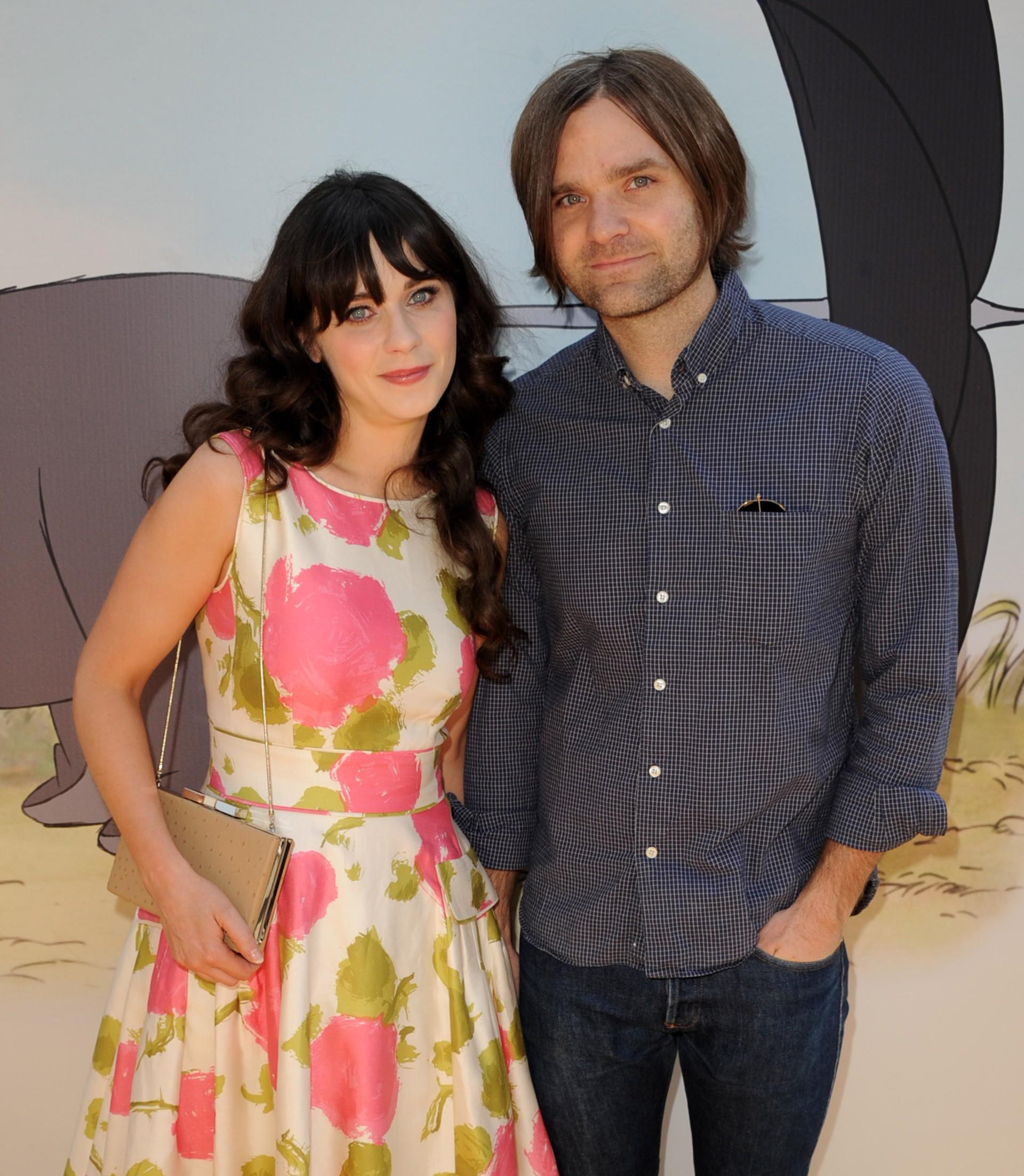 Os atores casaram-se em 19 de Setembro de 2009, em Seattle. Gibbard pediu a mão de Zooey com um anel Neil Lane 3. Eles se divorciaram em 2012. (Foto: Getty Images)