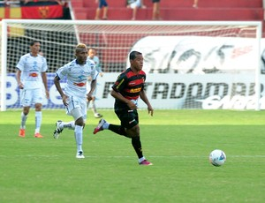 sport x porto marcos aurélio (Foto: Aldo Carneiro / Pernambuco Press)