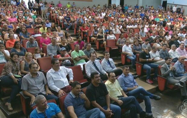 Cerca de 500 empreendedores foram reconhecidos pelo sucesso alcançado com os pequenos negócios (Foto: Jornal do Acre)