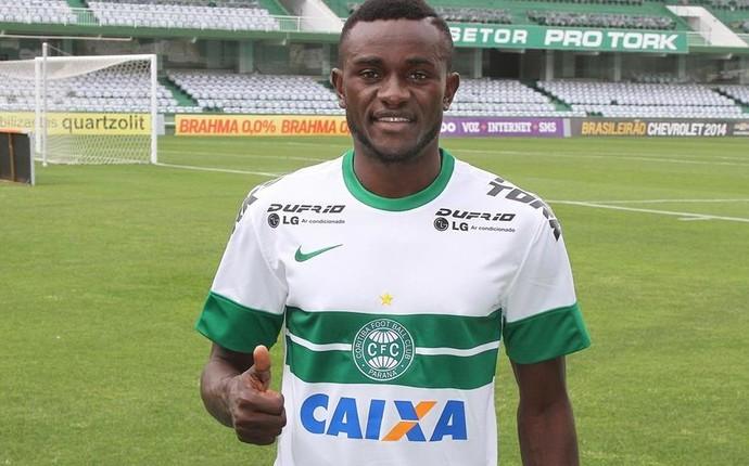 Joel é apresentado no Coritiba (Foto: Divulgação/ Site oficial Coritiba)