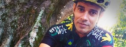 Ciclista encontra nas pedaladas força  para aliviar a dor de perder a mãe (Eu Atleta)
