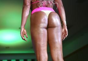 Detalhe de Renata Alves, candidata do Ceará, no Miss Bumbum (Foto: Iwi Onodera/ EGO)