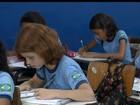 Sob calor de quase 40ºC, estudantes sofrem com salas sem climatização