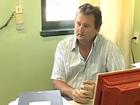 Diretor de escola que descartou 3 mil livros novos pede dispensa do cargo