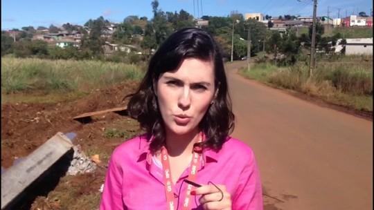 Poste cai em carro e mata mulher em Guarapuava, no Paraná