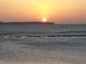 Sol se esconde na Ilha do Medo, na baía de São Marcos (Foto: Maurício Araya / G1)