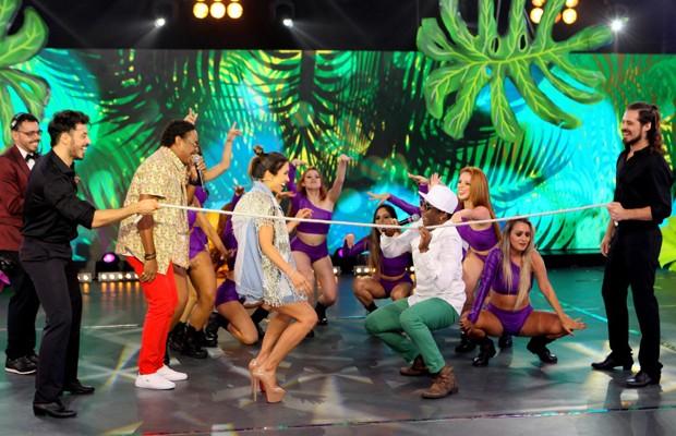 Patricia Abravanel dançou ao som do É o Tchan (Foto: Divulgação/SBT)