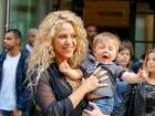 Show de fofura: Shakira e o filho caçula Sasha Piqué passeiam em NY