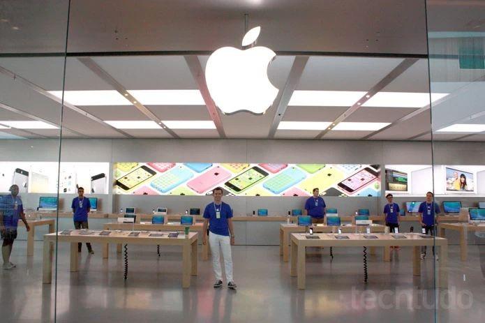 A Apple Store do Village Mall, shopping na Barra da Tijuca, Zona Oeste do Rio de Janeiro, é a primeira da América Latina e tem todos os produtos da marca (Foto: Allan Melo/TechTudo)