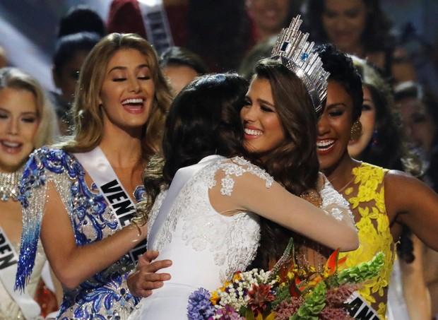 Iris Mittenaere, a Miss França, é coroada Miss Universo 2016 (Foto: Reuters)