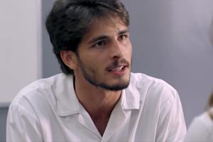 Roger fica bolado com Luan (Foto: TV Globo)
