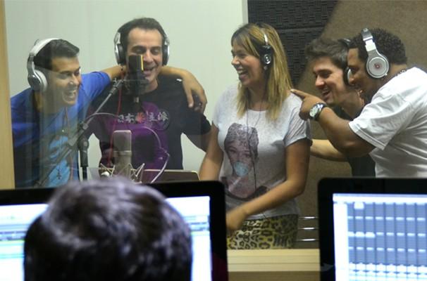 Artistas da região participam da chamada da TV Fronteira (Foto: Marketing / TV Fronteira)