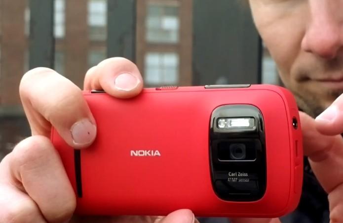 Nokia 808 PureView, smartphone da Nokia com Symbian (Foto: Reprodução/Nokia)