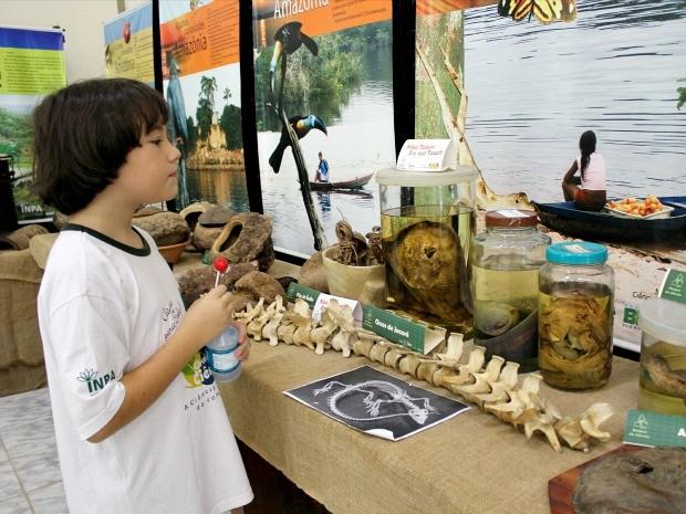 'Quero ser biólogo e estudar todos os animais', disse o aluno Jorge Lucas, de 10 anos. (Foto: Mônica Dias/G1 AM)