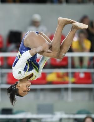 Rebeca Andrade executou nova acrobacia (Foto: Ricardo Bufolin/CBG)