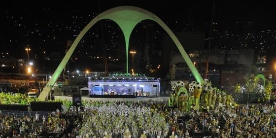 Desfile das campeãs 2017 do carnaval do Rio na Marquês de Sapucaí (Foto: Tânia Rego/ABr)