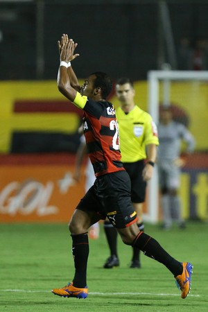 Richarlyson gol Vitória x Internacional (Foto: Getty Images)