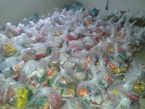 Desportistas do Acre arrecadam 4 toneladas de alimentos para ajudar cidade atingida por cheia (Foto: Senildo Melo/Assessoria SEE)