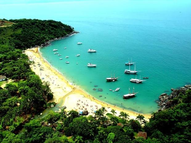 Hotel em Ilhabela tem saída para a praia. (Foto: Divulgação / Abayomi Hotel)