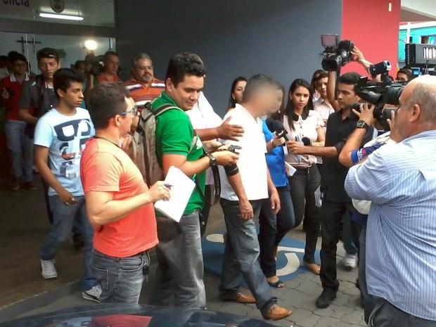 Peruano foi detido após denúncias (Foto: Rádio Amazonas FM)