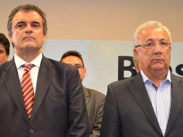 José Eduardo Cardozo e Jackson Barreto assinam acordo  (Foto: Marina Fontenele/G1)