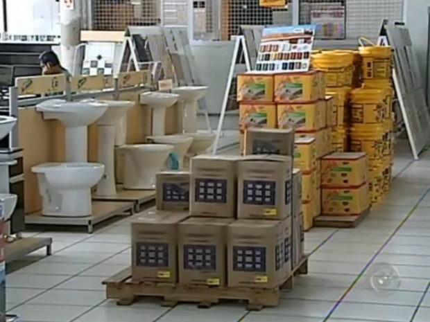 Materiais de construção estão mais caros este ano (Foto: Reprodução/ TV TEM)