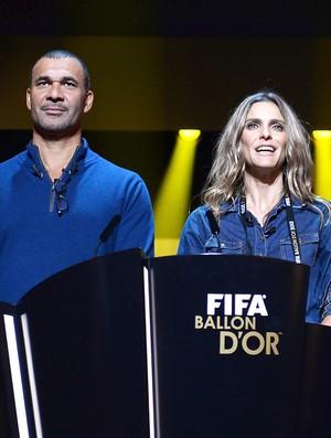 Fernanda Lima e Gullit ensaio prêmio Bola de Ouro (Foto: Getty Images)