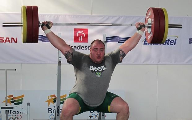 Levantador de peso Fernando Reis treina no Crystal Palace (Foto: Lydia Gismondi / GLOBOESPORTE.COM)