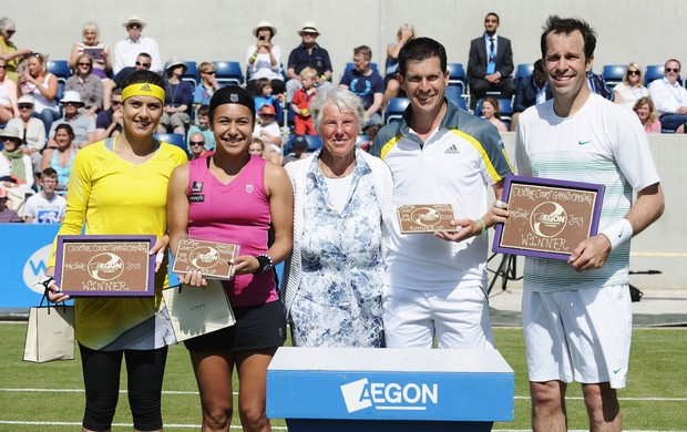 tênis quadra Sorana Cirstea, Heather Watson, Ann Jones, Tim Henman e Greg Rusedski (Foto: Getty Images)