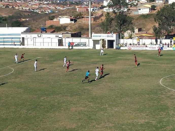 Araripina vence o Vera Cruz (Foto: Jadir Souza / TV Grande Rio)
