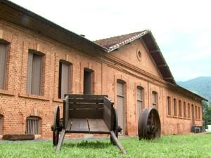 Antigo casarão da fazenda foi transformado no Museu do Café (Foto: Eder Ribeiro/EPTV)